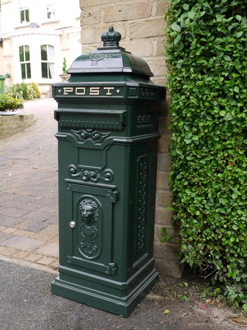 Green Cast Aluminium Pillar Mail Post Box 40 Somerset
