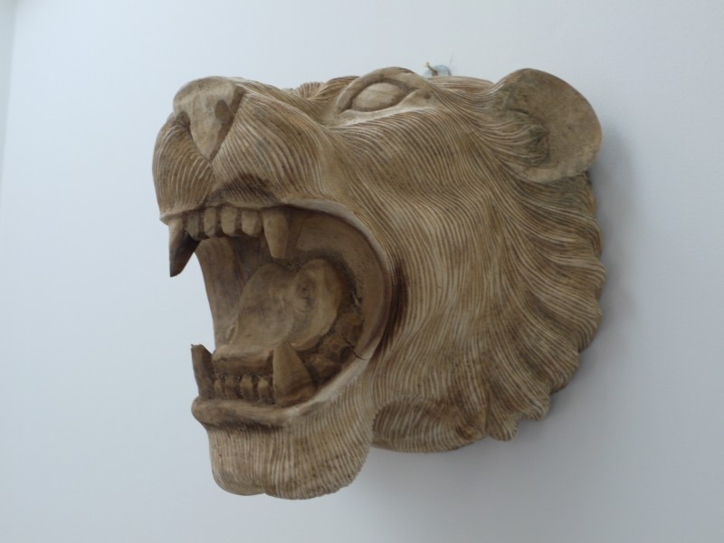 Wall Mounted Wooden Lion Head With Detailed Features 28cm
